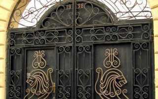 Фото откатных ворот с элементами ковки