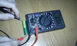 Как проверить исправность аккумулятора 18650